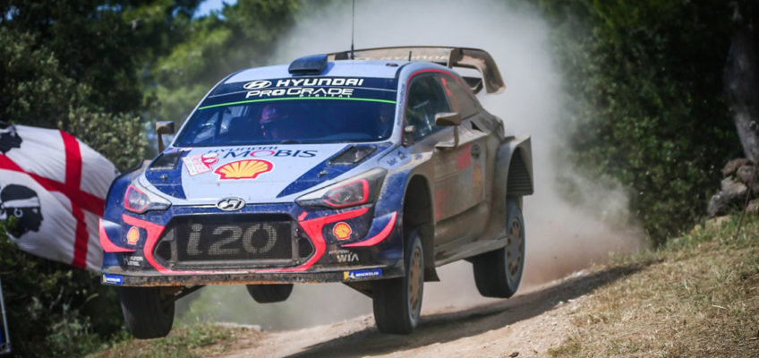 WRC   Neuville beats Ogier by 0.7 seconds in Sardegna consolidating his lead
