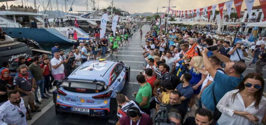 Andreas Mikkelsen wins the opening race of the Rally Turkey