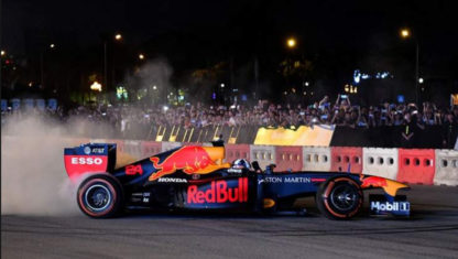 Formula 1 show takes over the city of Hanoi a year before 2020 Vietnam Grand Prix