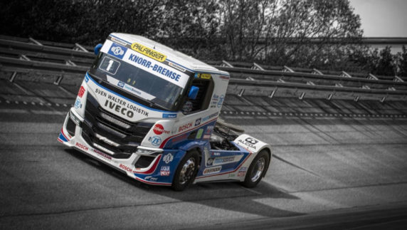 The IVECO S-Way R is roaring, the new terror of the European Truck Racing!