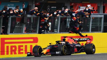 Emilia-Romagna GP: Verstappen wins but Hamilton hangs on to the lead at Imola