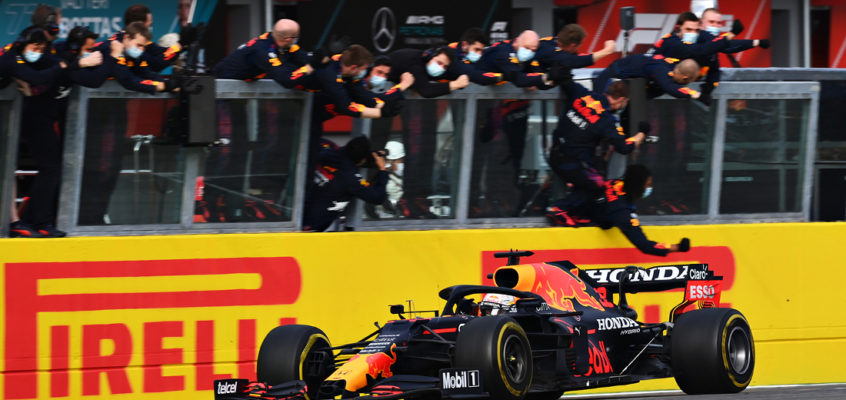 Emilia-Romagna GP: Verstappen wins but Hamilton hangs on to the lead at Imola