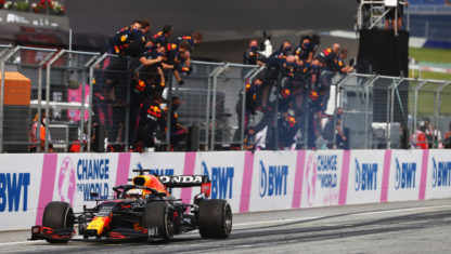 Styrian GP: Verstappen crushes Hamilton and extends his title lead